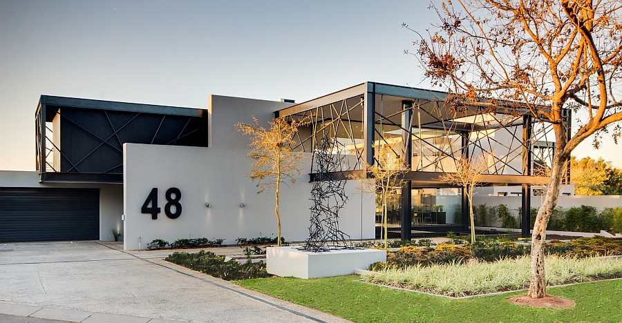 Unique front facade of the trendy South African home Expansive House Ber Amazes With An Exciting Array Of Sculptural Elements