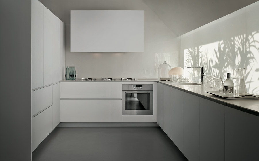 Versatile compositions of the EL01 kitchen from Elmar