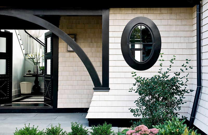 Wonderful use of black to define the exterior of the house