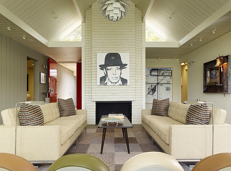 Wonderful use of midcentury style to create an instant focal point in the room