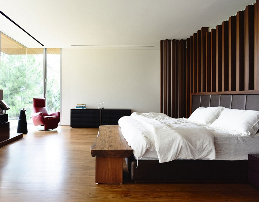 A touch of natural charm in the contemporary bedroom