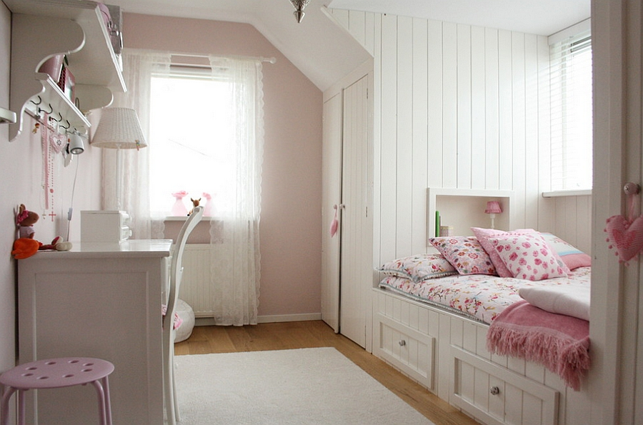Beautiful Bedroom Makes Smart Use Of The Available E Design Holly Marder