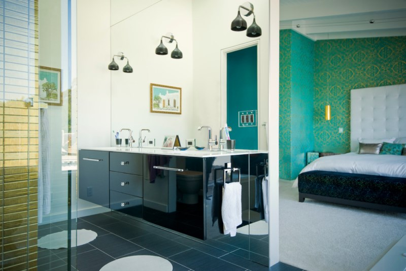 Emerald green bedroom with a luxury bath