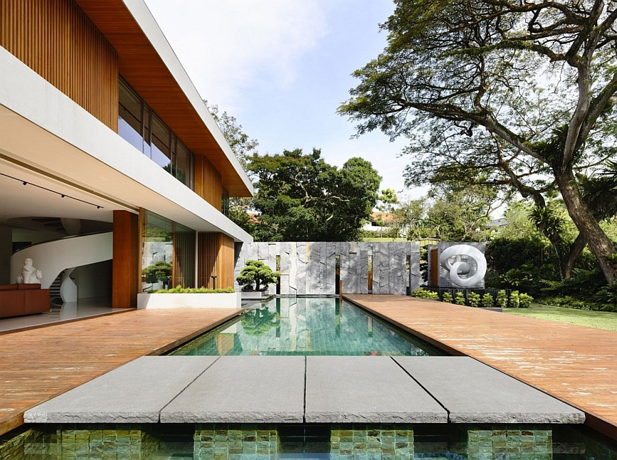 Nature inspired private residence in singapore for Eclairage exterieur piscine terrasse