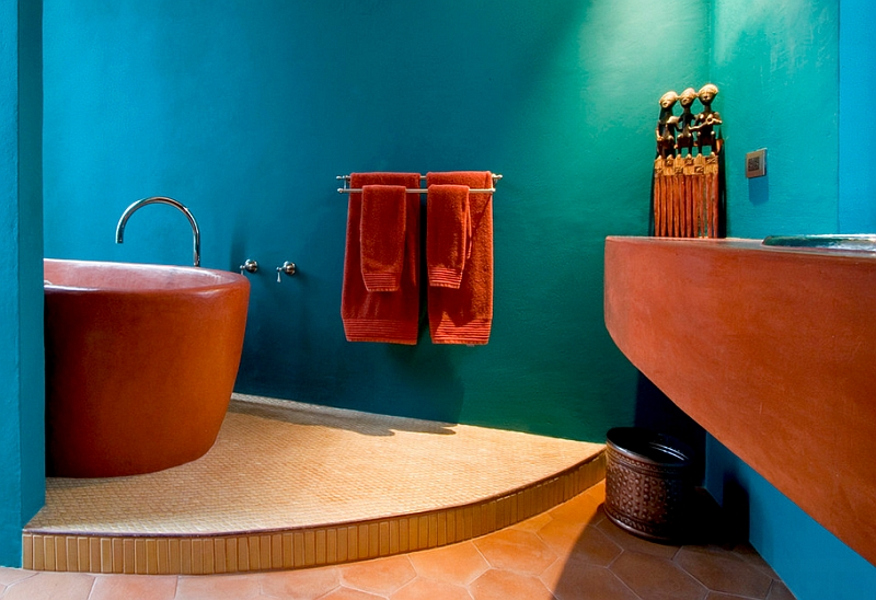 Finish of the bathtub adds to the trendy Mediterranean style [Design: House + House Architects]