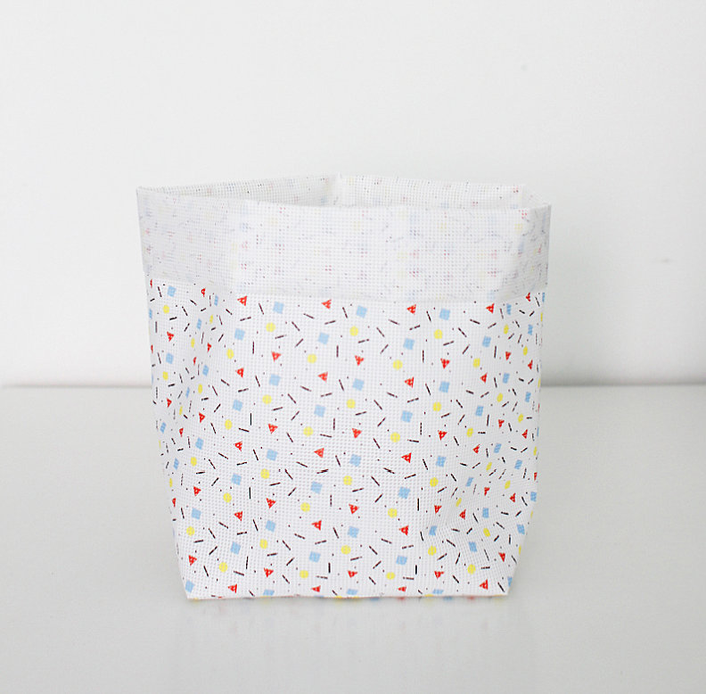 Geometric-print toy storage container