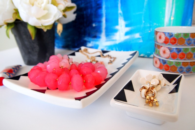 Gorgeous DIY Jewelry Tray for the Trendy Dresser