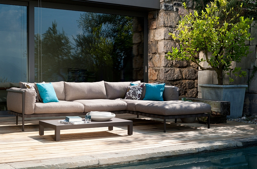Luxurious outdoor sofa that can take the wear and tear of changing seasons