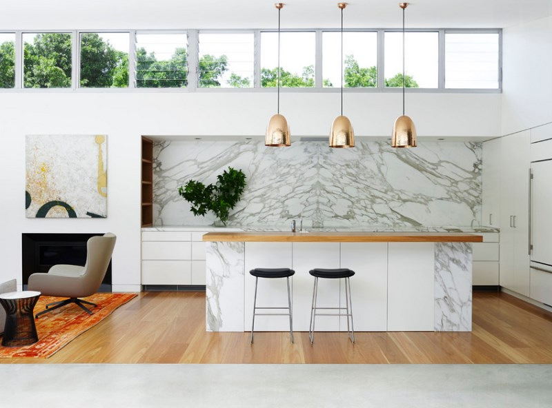 Marble kitchen with warm and cool tones