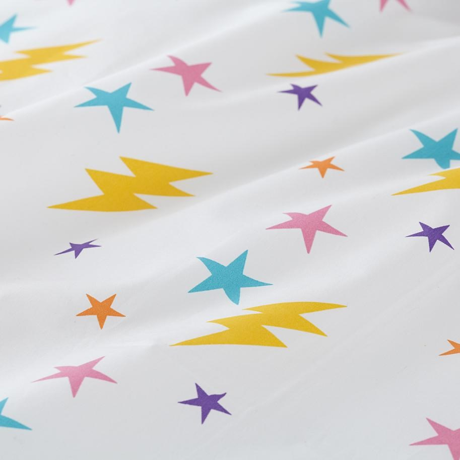 Star and lightning patterned sheet set