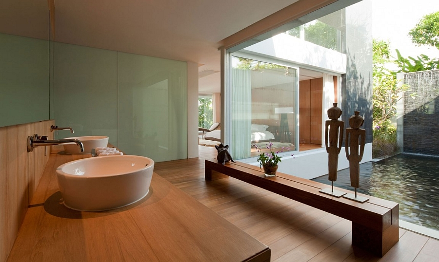 Water fetaure outside seems like a natural extension of the brilliant bathroom