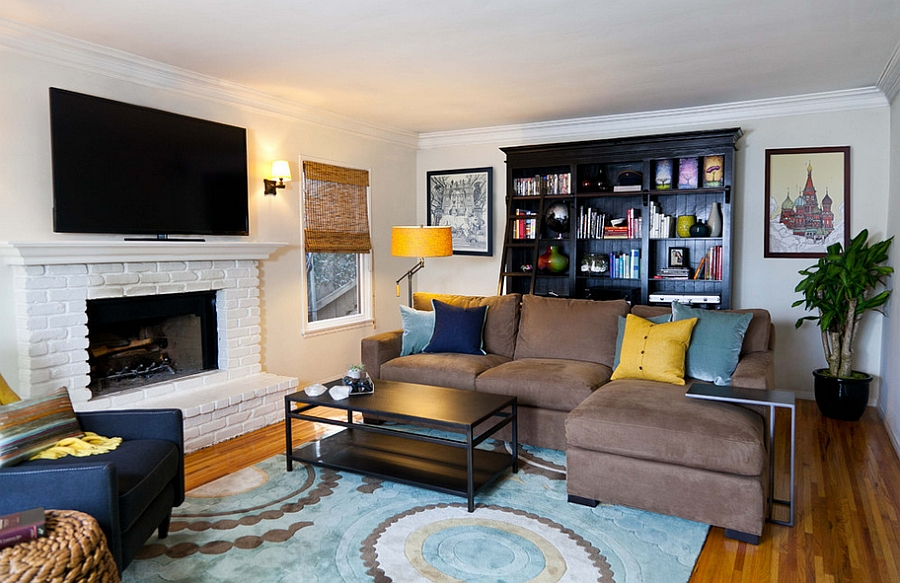 A touch of yellow for the posh, masculine living room