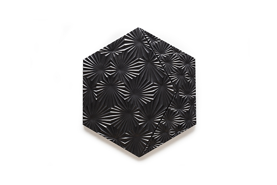 Beautiful Burst tile in black