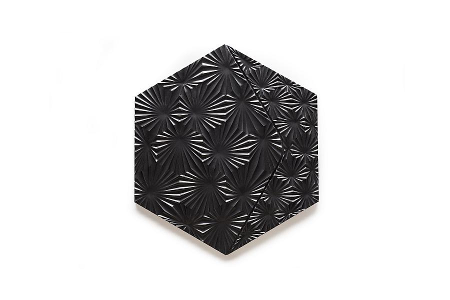 Beautiful Burst tile in black