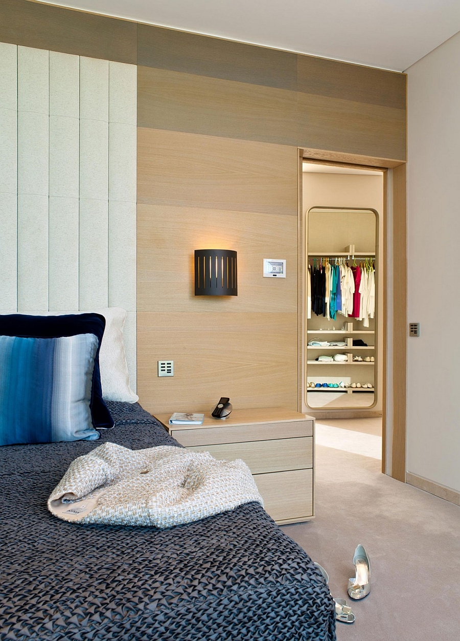 Bedside sconce lighting saves up on precious space