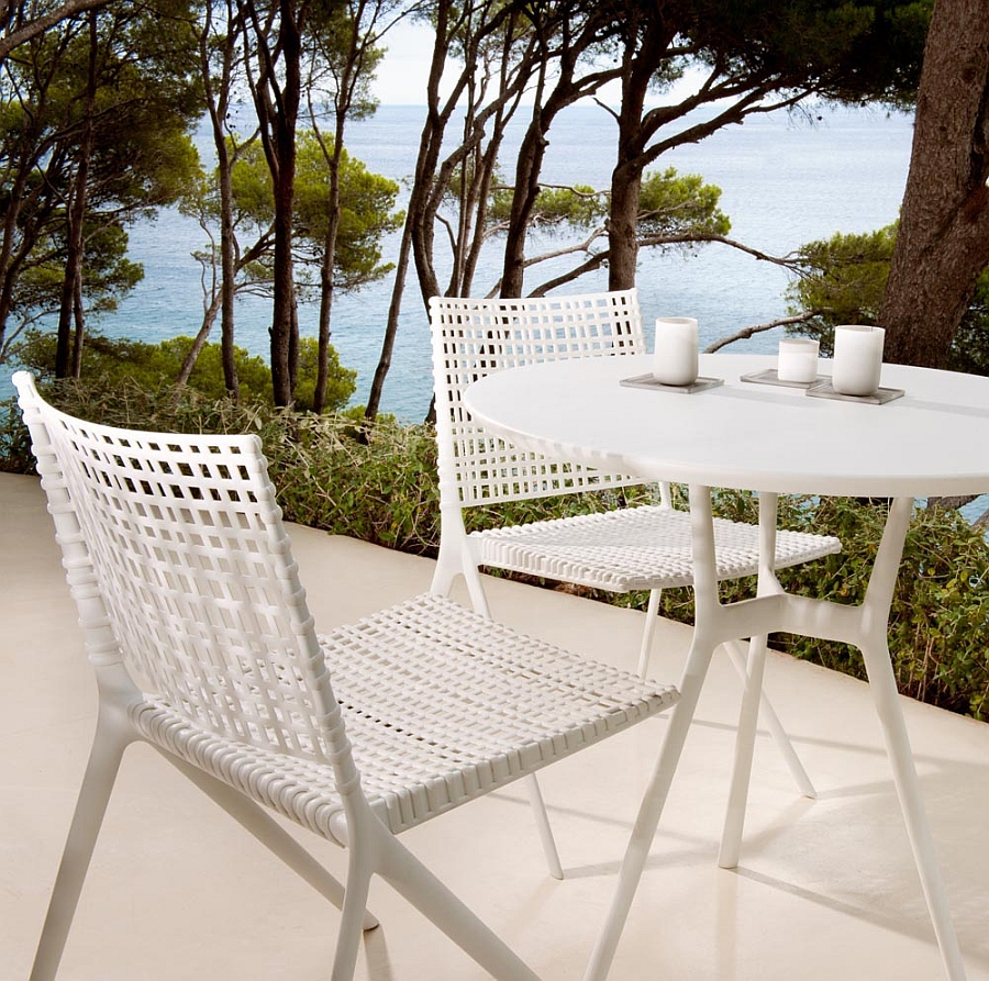 Branch small outdoor table in metallic white