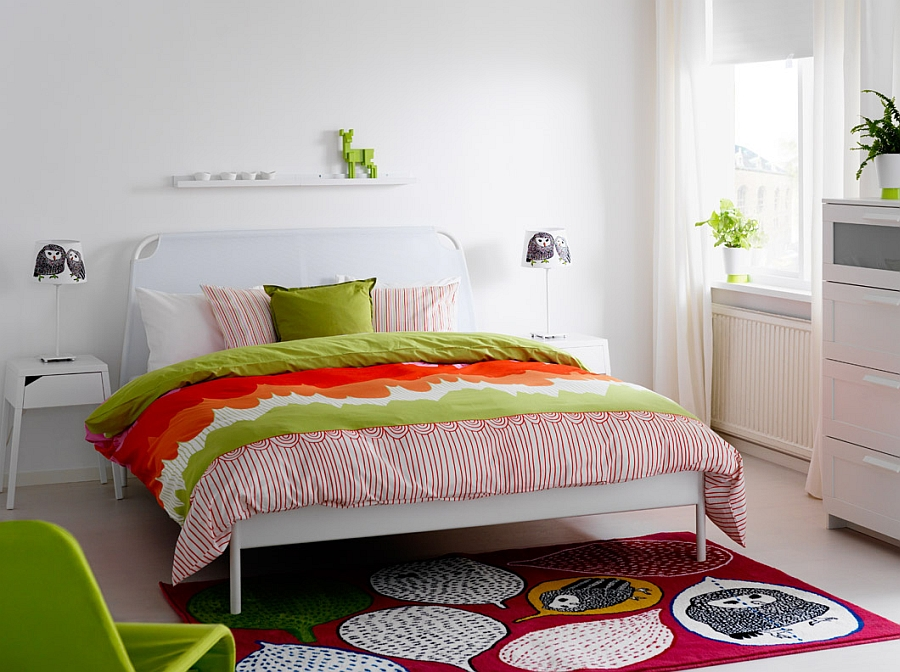 Colors, patterns and decor steal the show in this bedroom!