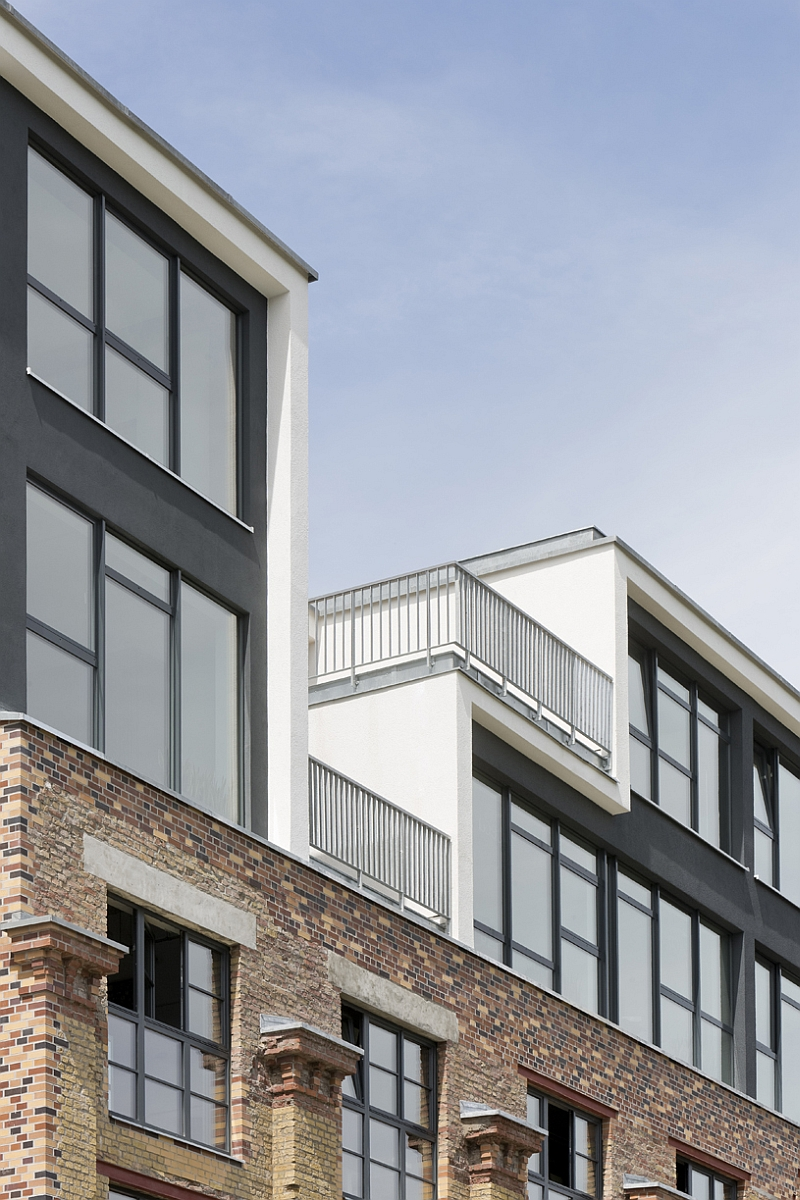 Contemporary fourth and fifth floor additions to Factory Berlin