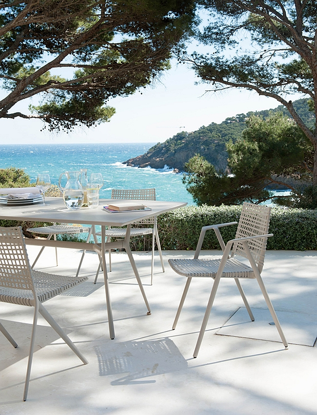 Easy to clean and weather-resistant outdoor decor with modern style