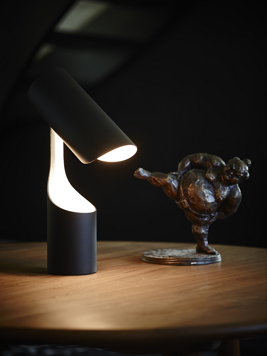 Exclusive table lamp from Le Klint that can be closed away when not in use!