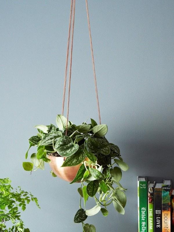 Hanging planter from Etsy shop IN.SEK DESIGN