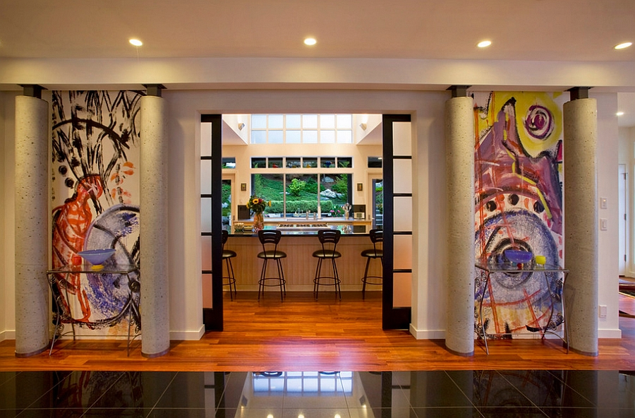 Highlight the entrance of the room with graffiti additions