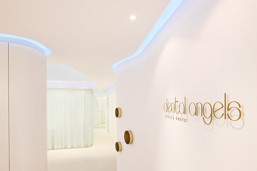 Hints of gold add glamor to the beautiful dental office