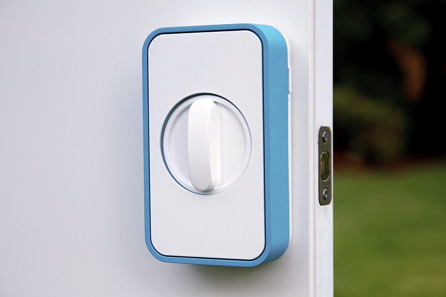 Lockitron Smart Lock fixed to the door