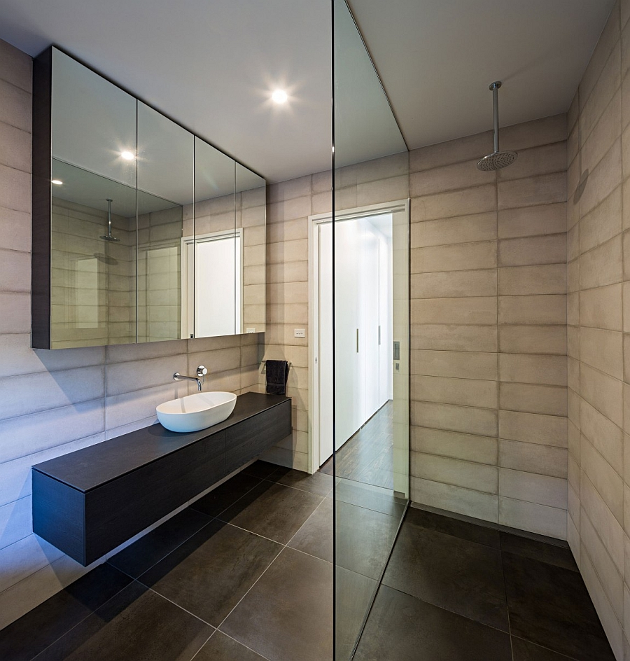 Modern and minimal bath space of the renovated home