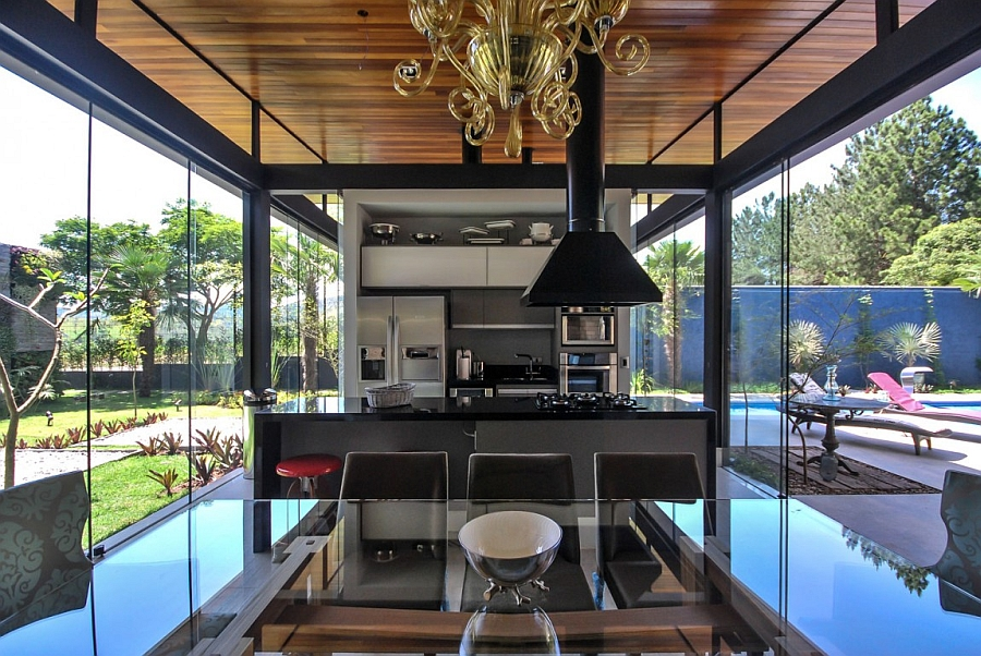 Modern Private Sao Paulo Home Offers A Stylish Natural Retreat