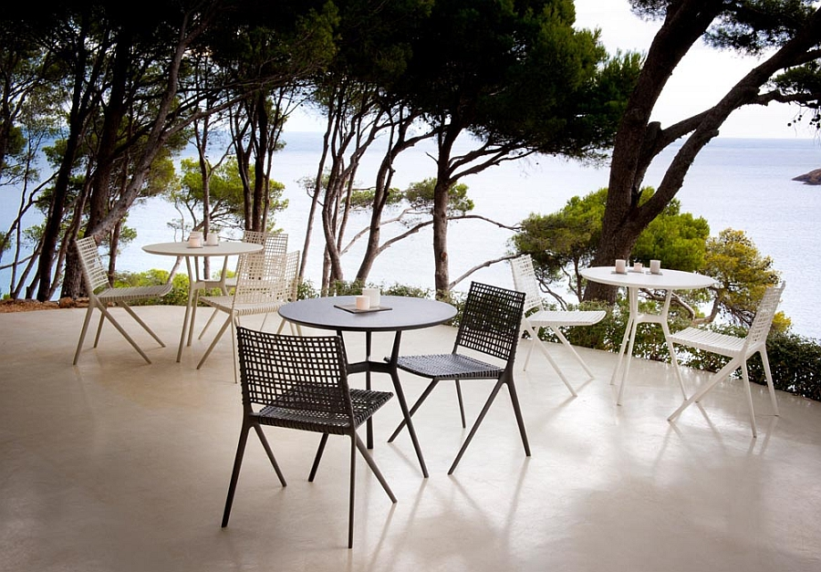 Organic and elegant Branch outdoor chairs and tables