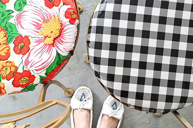 Outdoor chairs covered with oil cloth 20 DIY Projects To Try This Fall