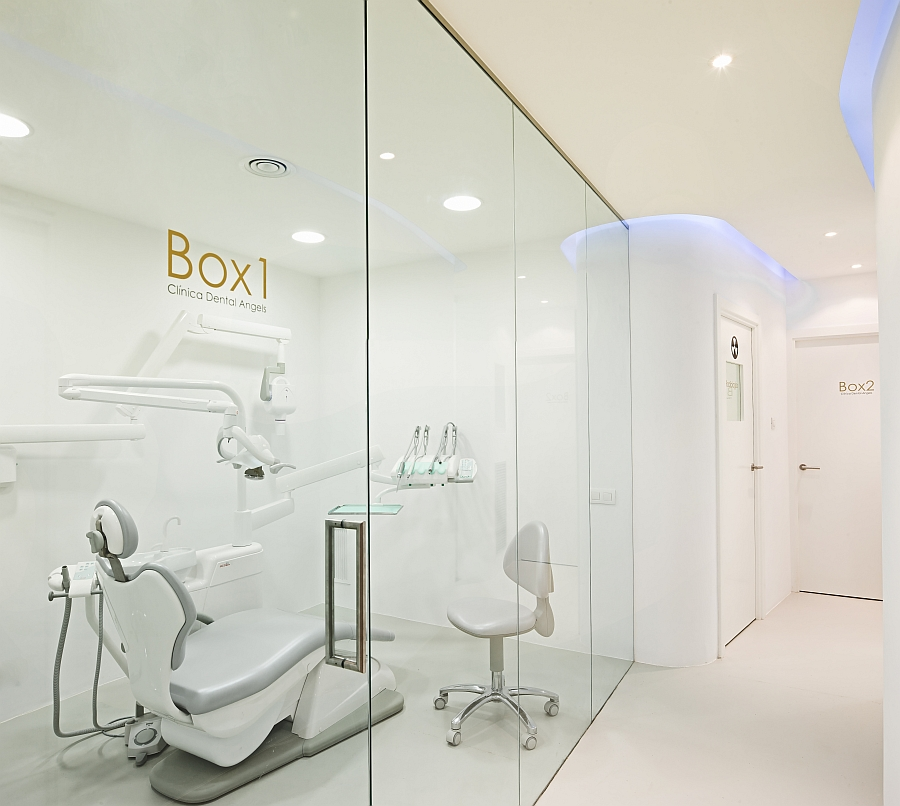Posh dental office in Barcelona with contemporary design