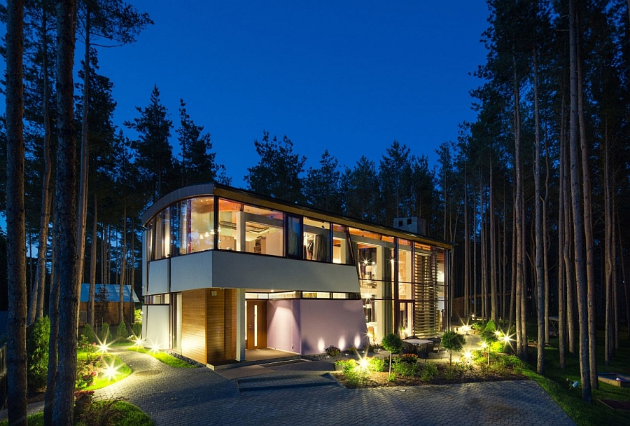 Private villa surrounded by natural canopy offers ample privacy