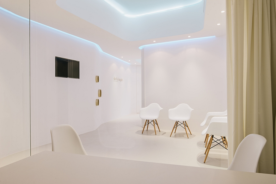 Sitting area of the Dental Angels Clinic in Barcelona