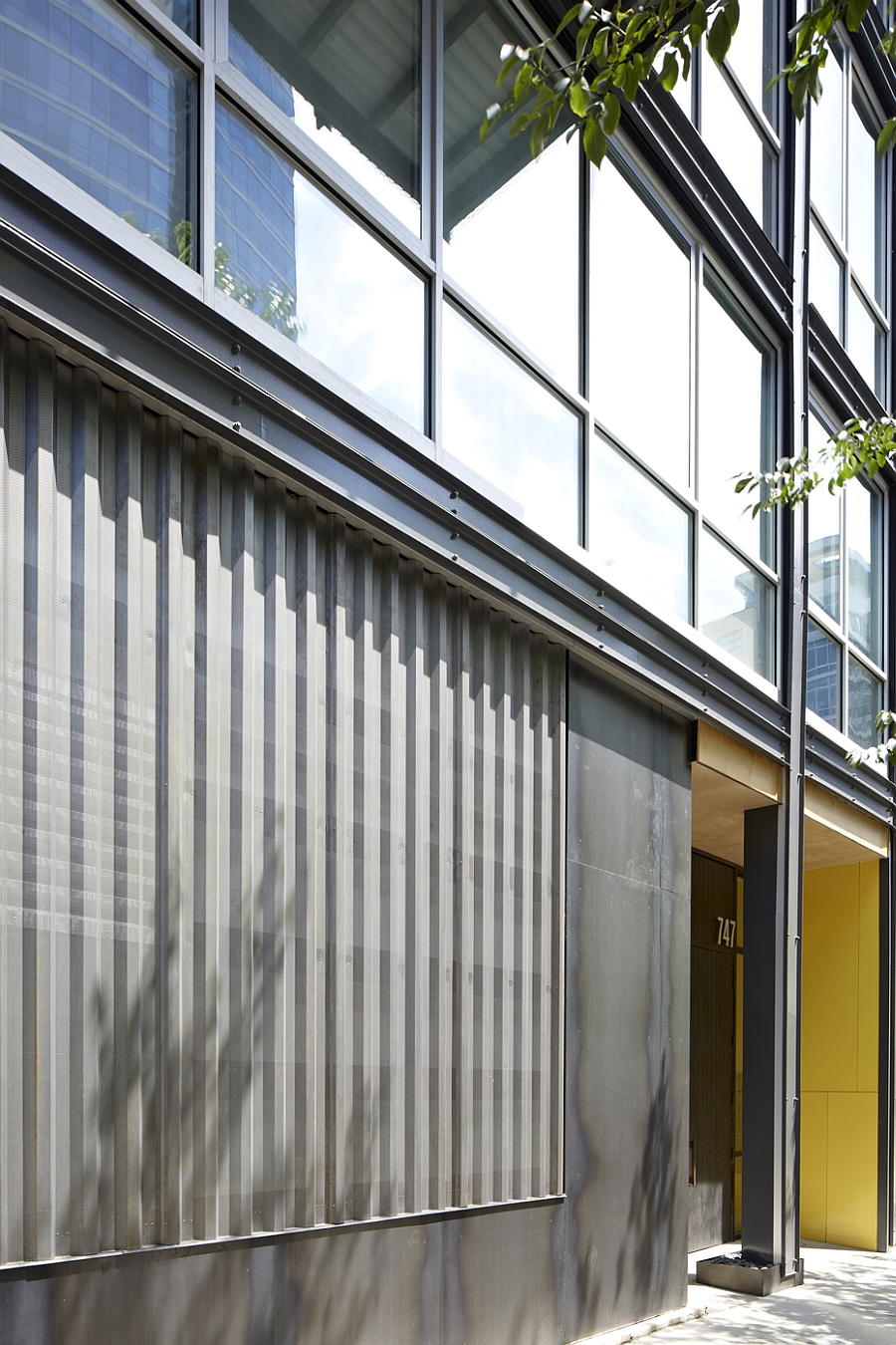 Smart entrance of the mid-rise building offers ample privacy