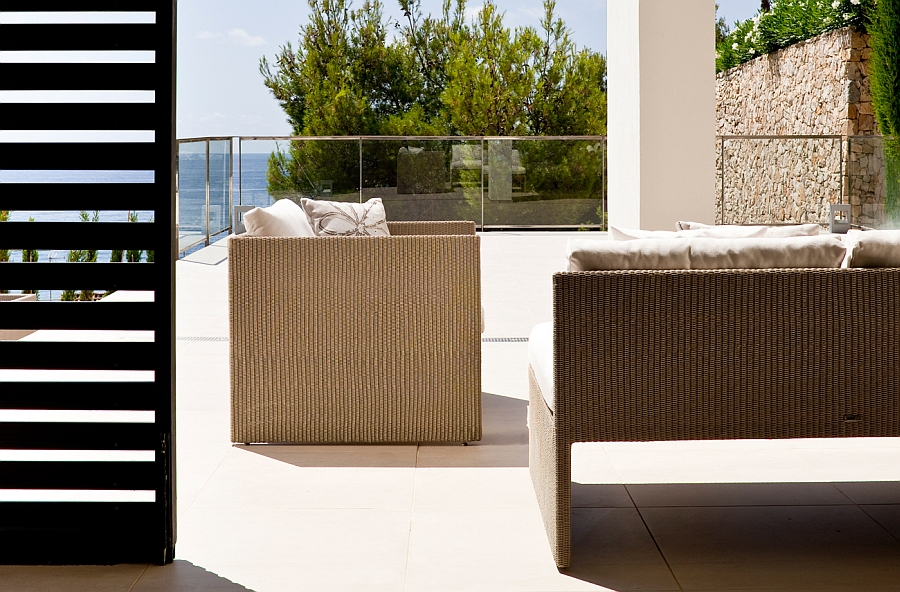 Stain-repellant and weather-resistant trendy outdoor decor collection