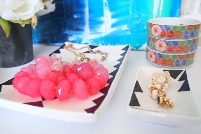 Stylish and Modern DIY Jewelry Tray Ideas