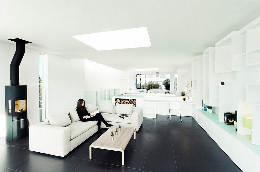 Stylish minimal living room with black tile floor The 24 Coolest Design Trends This Fall
