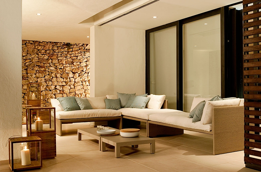 Terra Sofa is a perfect fit for the gorgeous modern patio