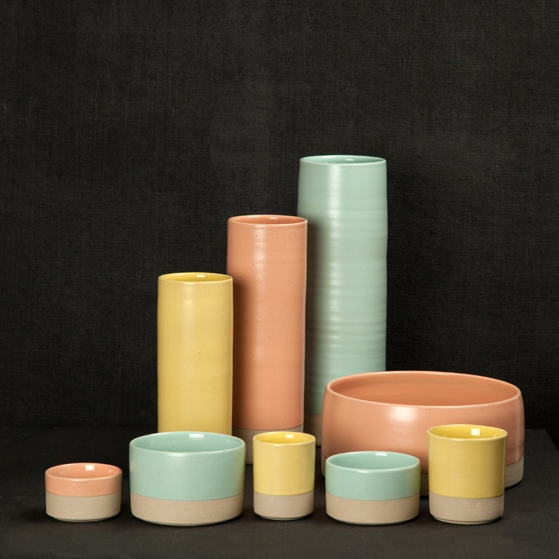 Two-toned pottery decor rom Darkroom