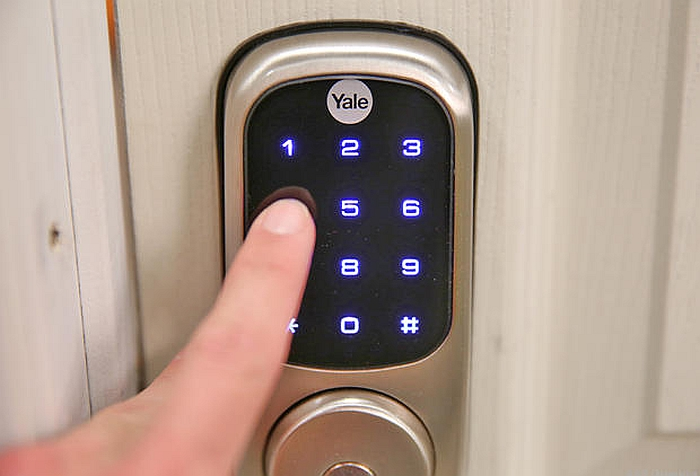 Ultra-responsive touchscreen of the Yale Smart Lock