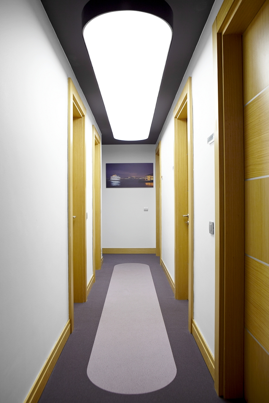 View of the corridor and the rooms inside the clinic
