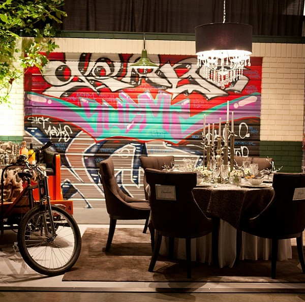 Vivid dining room brings the street indoors! [Design: Serving Up Style]