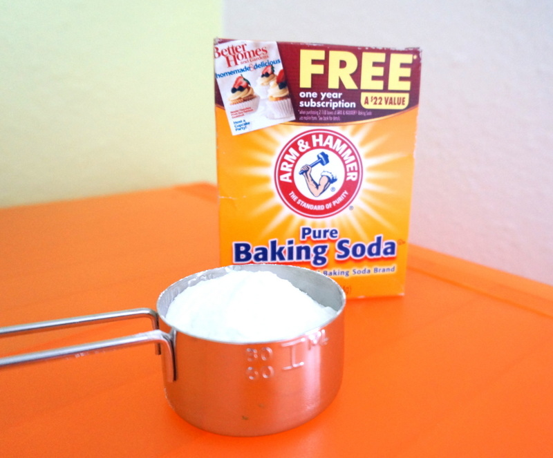 Baking soda and a measuring cup