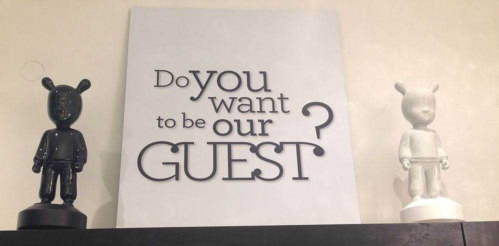 Be our guest - wall canvas