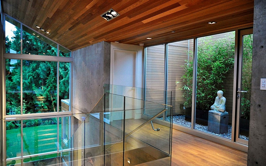 Beautiful sky garden offers a zen nook inside the home
