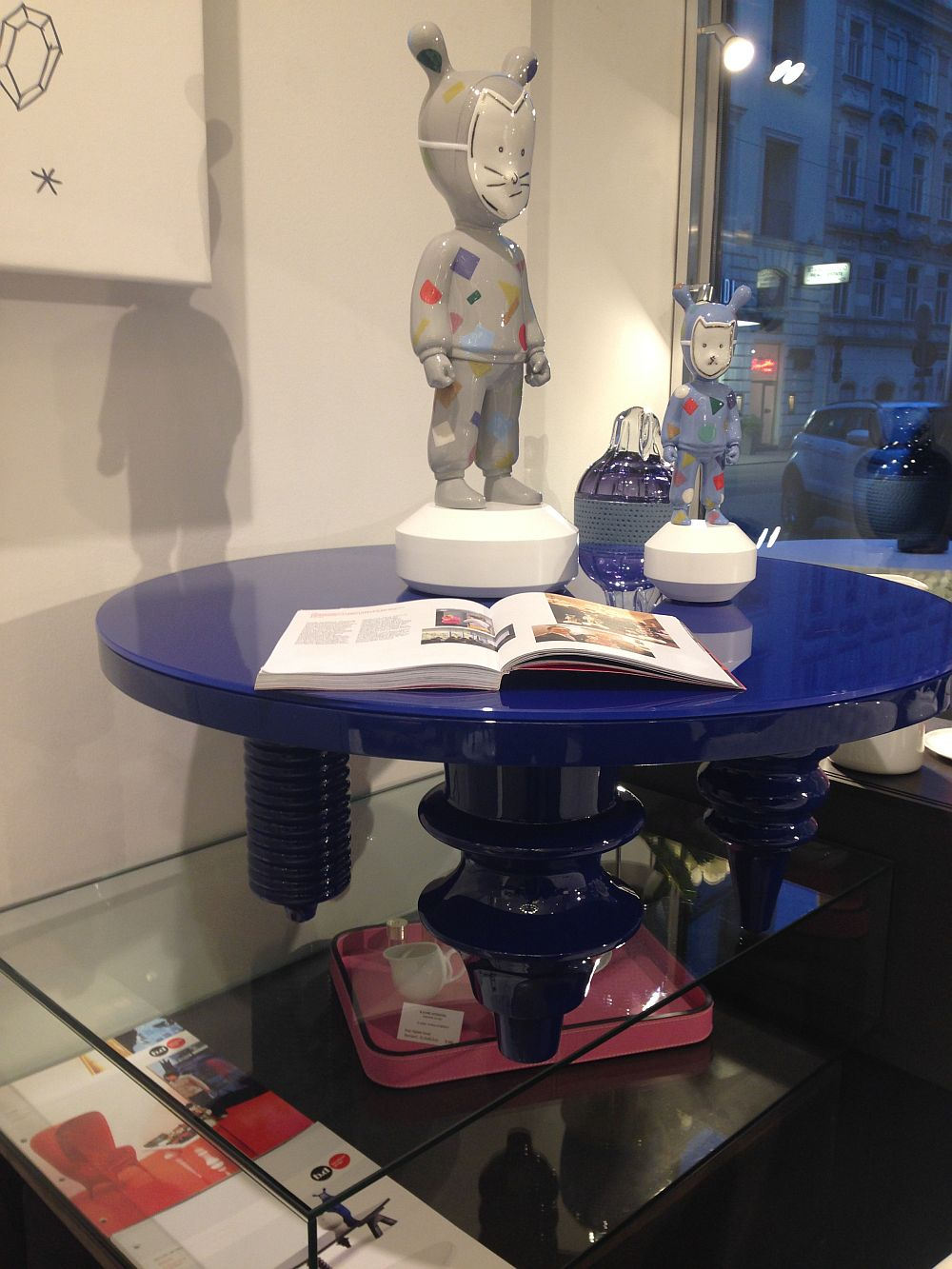 Blue lacquered multileg table - BD Barcelona
