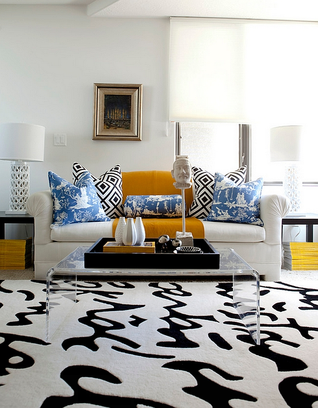 Classy combination of yellow and light blue in the living [Design: Caitlin Wilson]