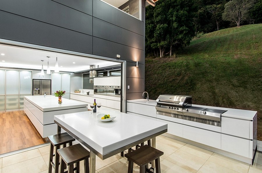 Contemporary theme of the house is extended outdoors [Design: Sublime Architectural Interiors]